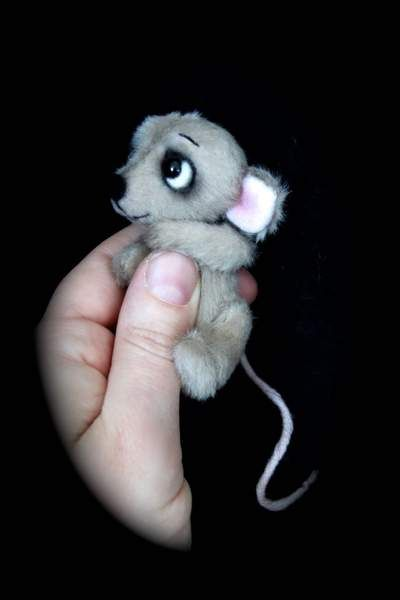 Libby the little Mouse by Lies & Lot Mohair Bears
