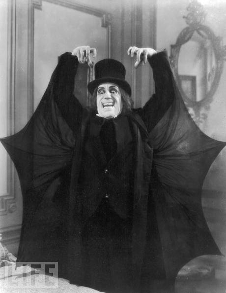 London After Midnight LON CHANEY. Scariest makeup ever!