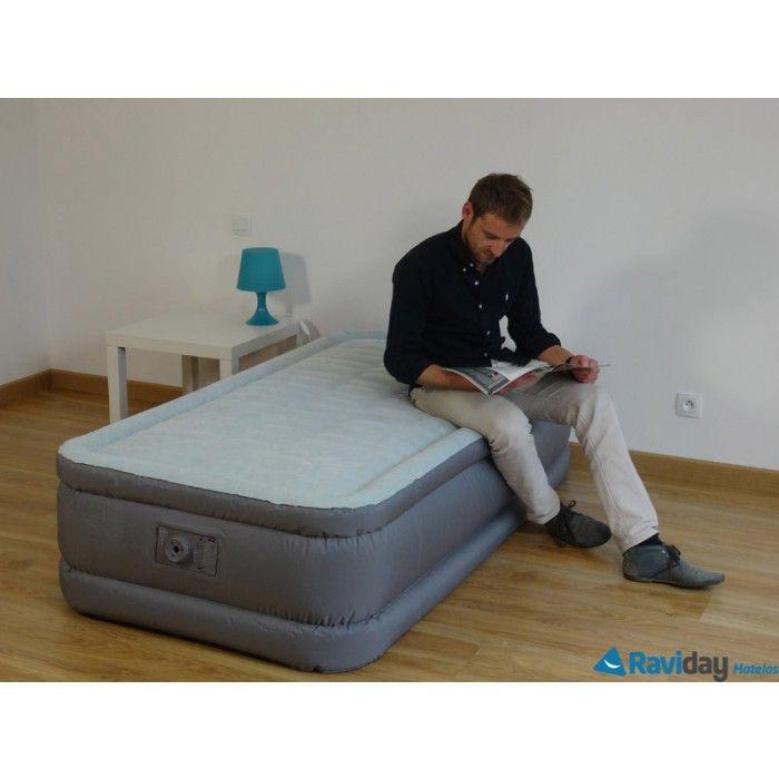 Notez la fermeté du matelas gonflable Intex PremAire. Disponible en 1 ou 2 personnes. A découvrir ici  http://www.raviday-matelas.com/matelas-gonflable-electrique-intex-premair-1-personne/ #intex #matelas #lit #appoint #électrique #confort #fermeté #maison #appartement #décoration