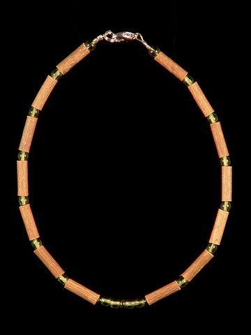 Teething Hazelwood Necklace with Peridot beads
