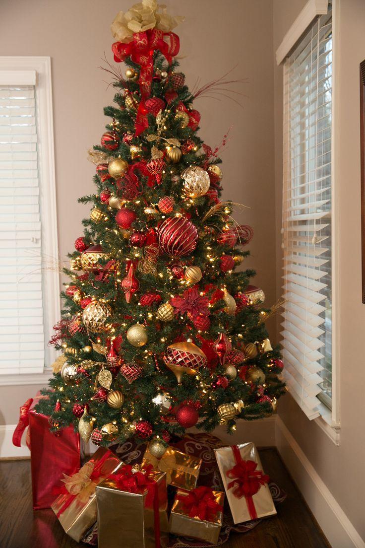 Arvore De Natal Vermelha E Dourada Natal Vermelho Arvore De