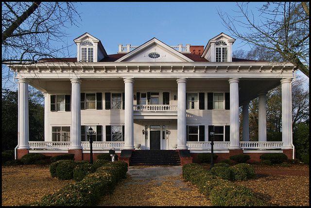 Antebellum mansion in covington georgia architecture i for Antebellum homes