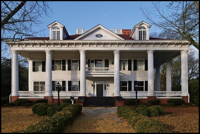 Antebellum mansion in Covington, Georgia: