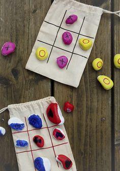 TicTacToe Mitnehmspiel im Stoffbeutel mit Kindern basteln - Kindergeburtstag