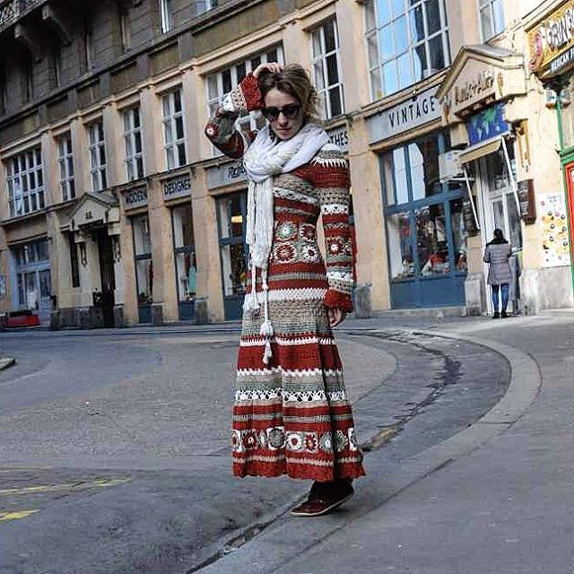 Венгерские мотивы...  #венгрия #будапешт #вязаныеплатья #мотивы #бабушкинквадрат #ручнаяработа #рукоделие #вязаниекрючком #hungary #budapest #knitt #knitstagram #knitting #vscoknit #vscoknitting #vscocamphotos #vscocam #vsco