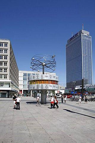 World Clock and Park Inn Hotel on Alexanderplatz square, Berlin, Germany, Europe  Photographer  Henning Hattendorf