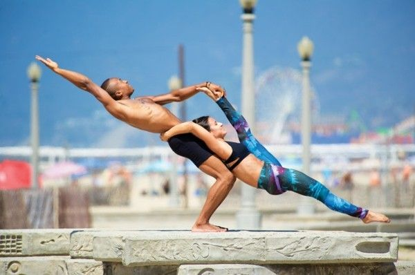 Yoga Ubungen Zu Zweit 3 Effektive Akro Yoga Posen Fur Anfanger Yoga Ubungen Zu Zweit Yoga Ubungen Acro Yoga