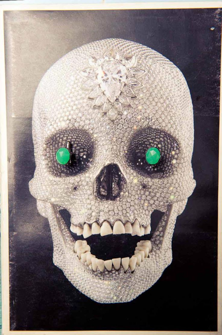 A diamond Damien Hirst skull gets even more bling. http://www.thecoveteur.com/halloween_skulls