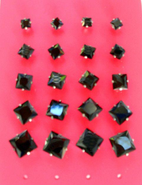 Ασημένια διαμαντάκια σκουλαρίκια μαύρα σε όλα τα μεγέθη και σχήματα στο http://amalfiaccessories.gr/ashmenia-kosmimata/