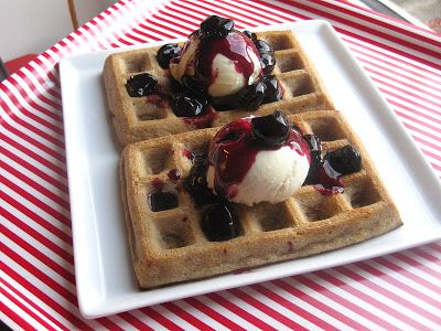 Baked waffles with a taste of christmas (in danish)