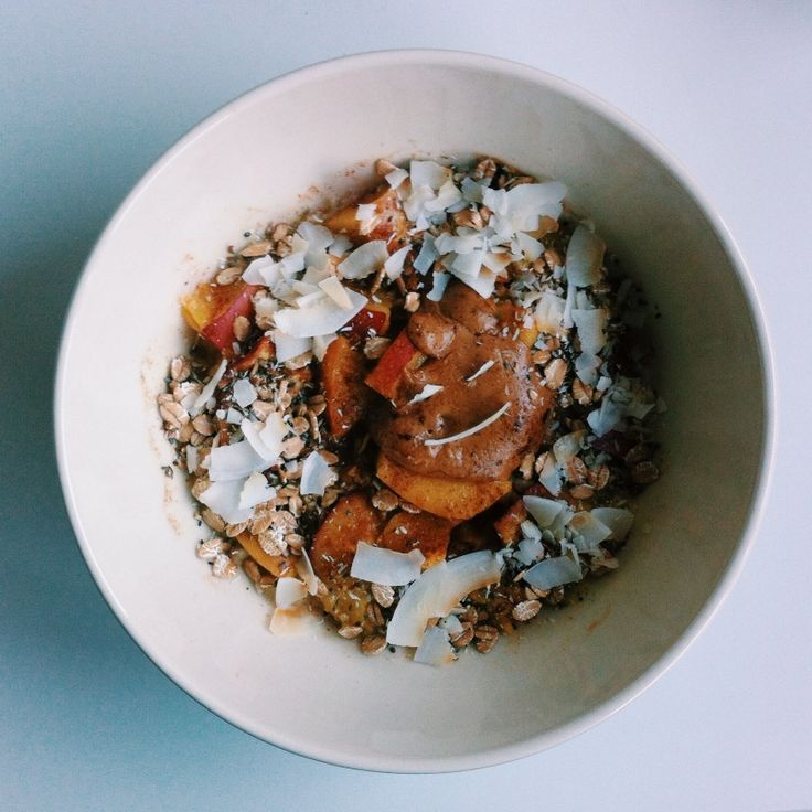 #breakfast #oatmeal #food #peanutbutter #nectarine #coconut