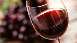 Το λίγο αλκοόλ σχετίζεται με μειωμένο κίνδυνο άνοιας