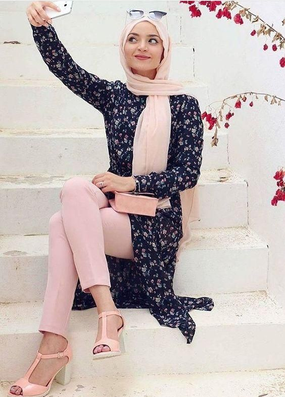 pink hijab with pink pants, Hijabista fashion looks…