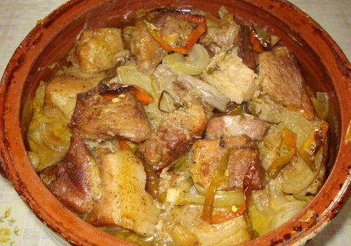 Свински кебап в гювеч (рецептата на моята баба) - Рецепта. Как да приготвим Свински кебап в гювеч (рецептата на моята баба). Кликни тук, за да видиш пълната рецепта.
