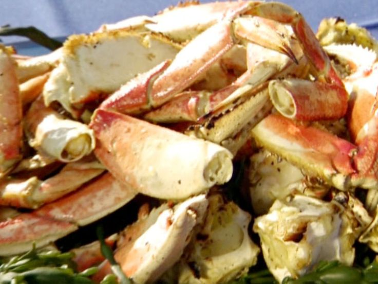 Get this all-star, easy-to-follow B.B.Q. Garlic Crab recipe from BBQ with Bobby Flay
