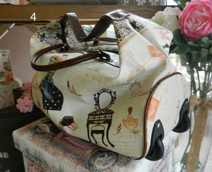γυναικεία τσάντα ταξιδίου με ροδάκια