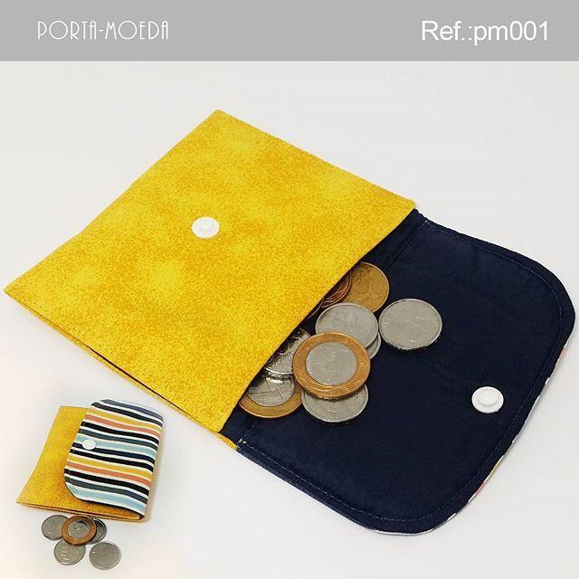 . Porta-moedas  Descrição:  Largura: 12,5 cm Profundidade: 0,5 cm Altura: 10,5 cm Peso: 40g Ref.: pm001 Valor: R$ 5,90(1x sem juros) Pronta entrega: ▃▃▃▃▃▃▃▃▃▃▃▃▃▃▃▃▃▃▃▃ Vendas online pelo WhatsApp e Instagram. WhatsApp: +55 (51) 9548-9298 E-mail: kaleebags@gmail.com Entregamos para todo o Brasil Pagamentos em boleto bancário, cartão de débito à vista e cartão de crédito em até 3x sem juros pelo (Pagseguro). ▃▃▃▃▃▃▃▃▃▃▃▃▃▃▃▃▃▃▃▃ #artesanato #bolsas #carteira #presente