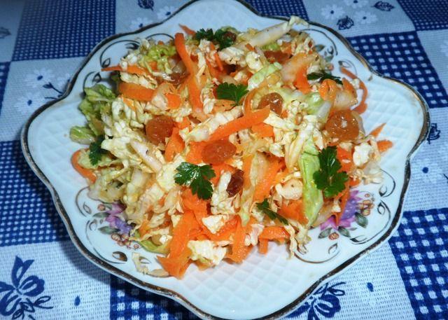 Салат из капусты с изюминкой