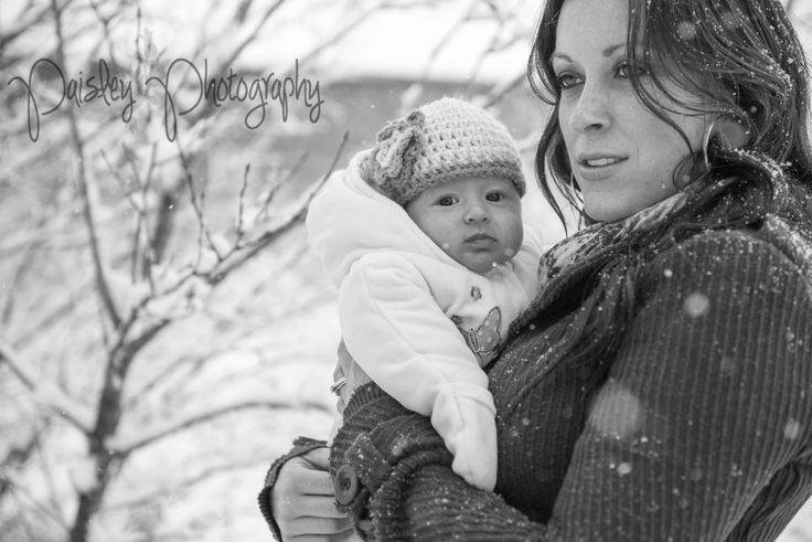 Winter Wonderland Family Session - Calgary Family Photographer   Paisley Photography- mom & baby photos - winter family photography - snowy family photos - winter wonderland family photography