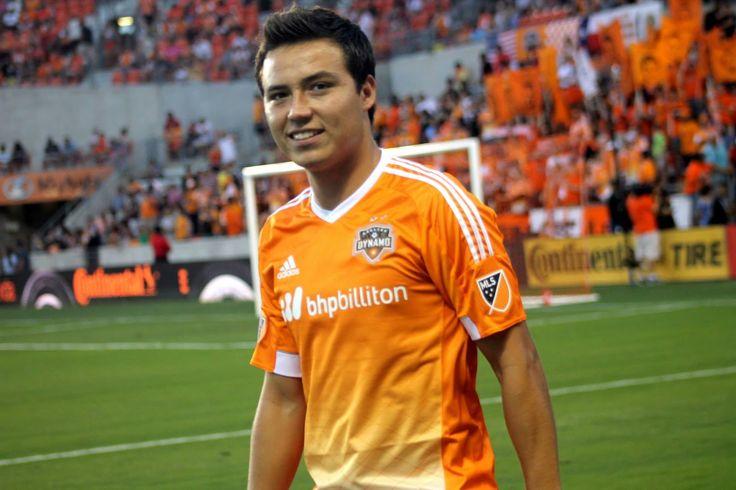 'CUBO' TORRES REVELA QUE DESEA VOLVER A CHIVAS El surgido del Rebaño ha anotado gol en siete ocasiones en las ocho Jornada de la MLS. Torres es la figura de su equipo en el arranque de la MLS.