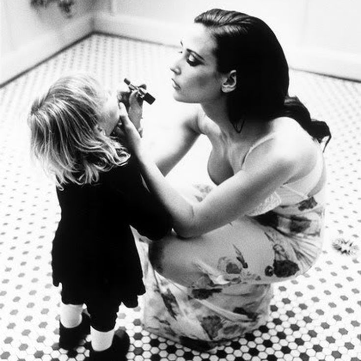 Demi Moore and her daughter, shot by Ellen Von Unwerth, 1996