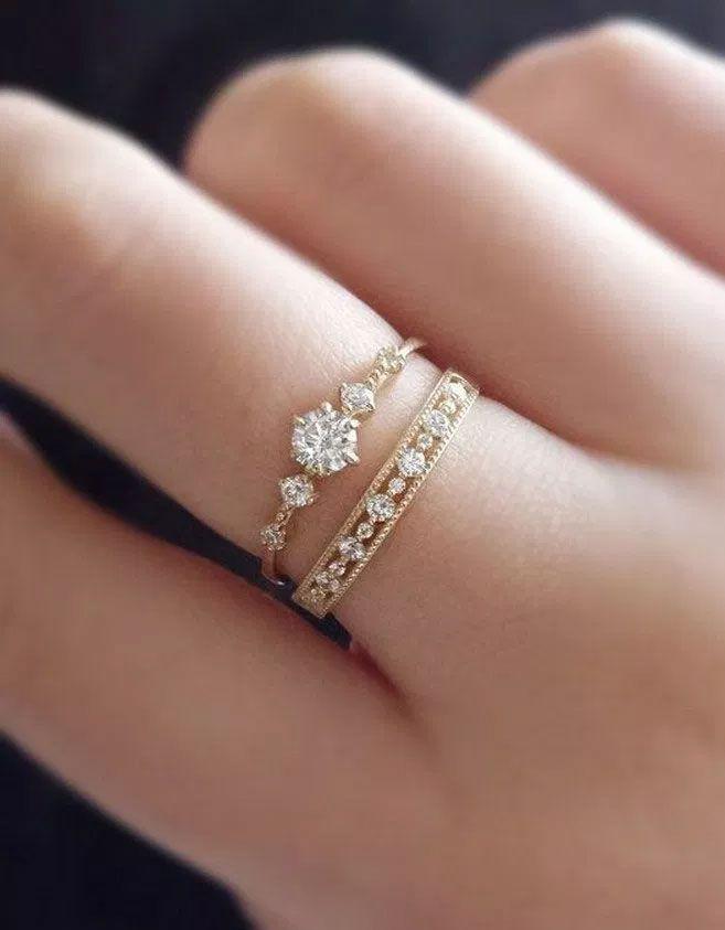 75 einzigartige Verlobungsringe mit glamourösem Charme - Wunderschöner Verlobungsring #enga ...