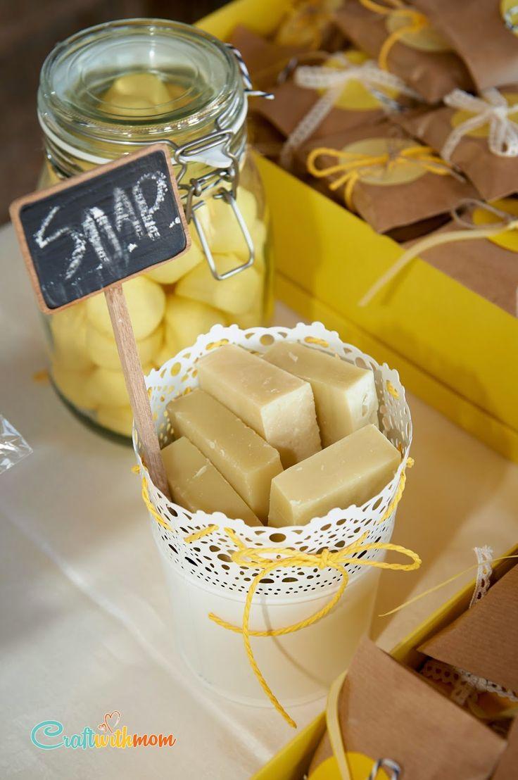 CraftWithMom:  Βάπτιση με άρωμα λεμόνι και μια DIY γιρλάντα από υφάσματα! A lemon baptism and my fabric garland!