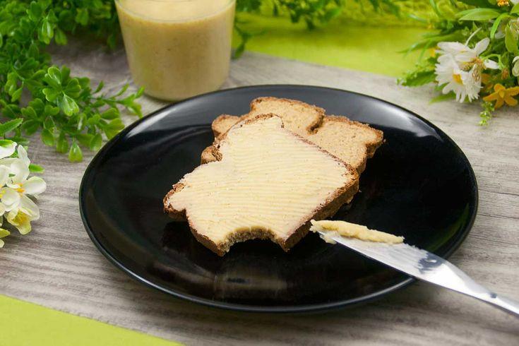 Nachgekocht: Diesmal habe ich den weißen Brotaufstrich von familiezuckerfrei.ch nachgemacht und ich muss sagen, der low carb Aufstrich schmeckt