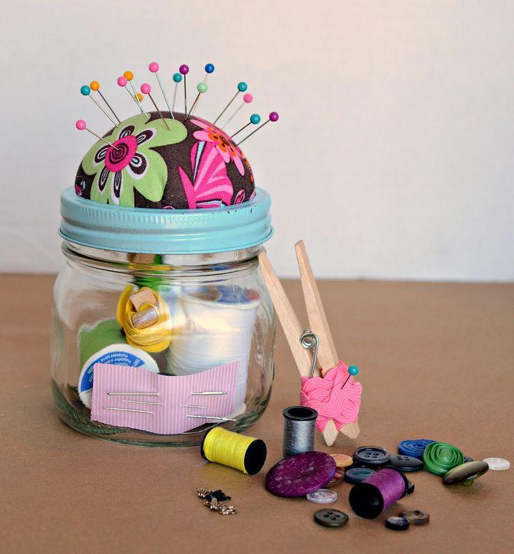 DIY: sewing kit in a jar