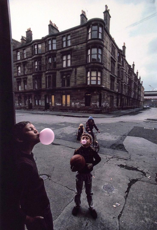2000-lightyearsfromhome: Raymond Depardon, Glasgow, 1980.
