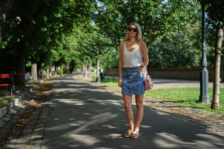 Skirt – F&F / Top – Zara / Shoes – H&M / Bag – Parfois / Sunglasses – Sun & Eye