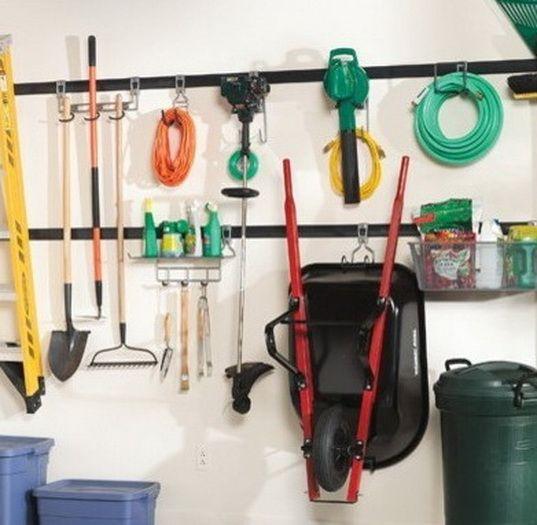 Die 25  besten ideen zu wheelbarrow storage auf pinterest ...