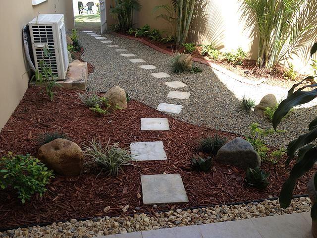 M s de 25 ideas incre bles sobre paisajismo de bajo for Jardines con poco mantenimiento
