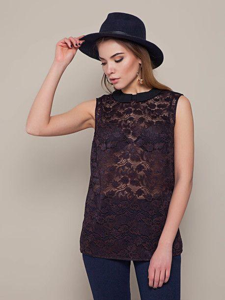 Прозрачная блуза - один из главных трендов сезона. Цвет - шоколад. Подойдет не только на каждый день, но и для вечерних прогулок. ;)