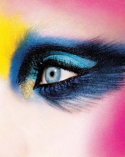 i-d-pinki-blue-yellow-eye-makeup