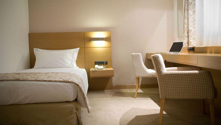Anatolia Hotel Δωμάτια (Θεσσαλονίκη) : Ξύλινες κατασκευές και έπιπλα για τα δωμάτια του Anatolia Hotel. - See more at: http://masterwood.gr/portfolio/anatolia-hotel-thessaloniki-rooms/#sthash.ENw6KFNn.dpuf