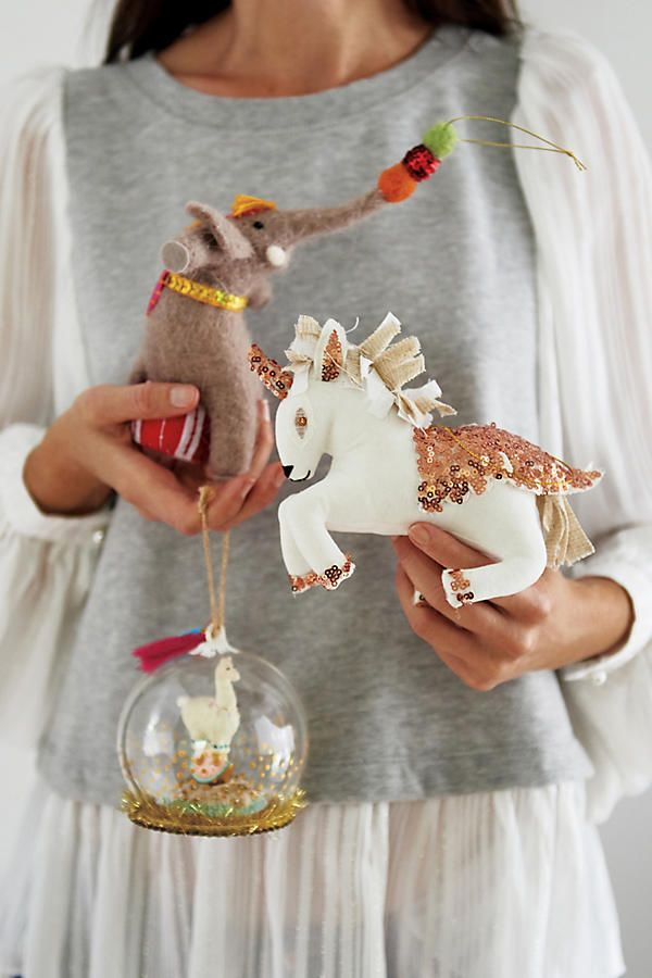 Slide View: 4: Awe-Inspiring Ornament