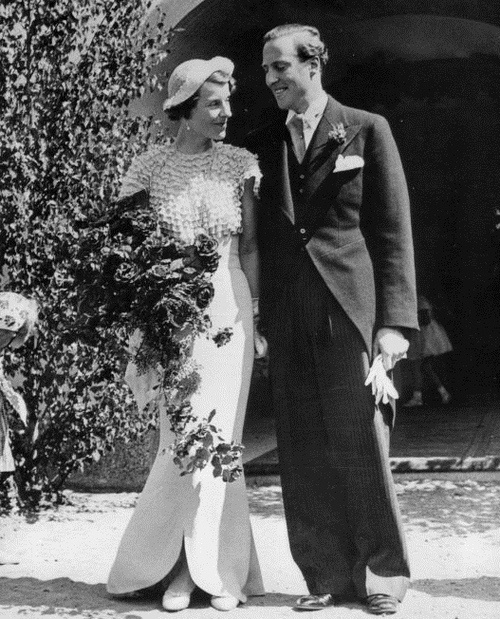 6 July 1937: Countess Elsa von Rosen marries Prince Carl Bernadotte.