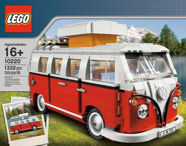 A falta de tener una de verdad, me conformo con esta Furgoneta Volkswagen que alimente mi *LEGOaddiction*