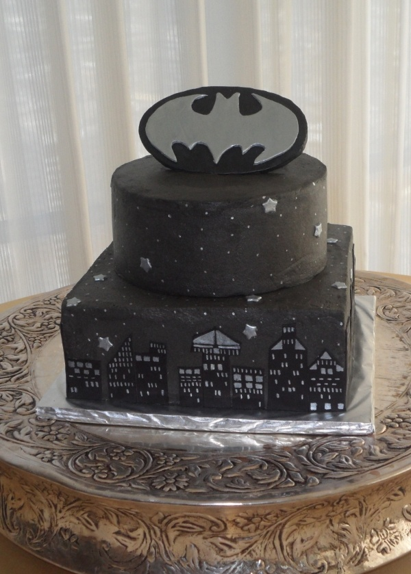 This is cute, but I'm pretty positive JT's groom's cake is going to be a master cheif helmet, or something else Halo.