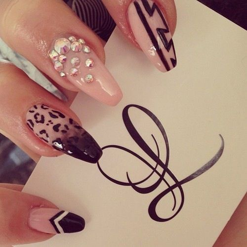Beige and black acrylic stilettos, I LOVE the ombre and cheetah designs!