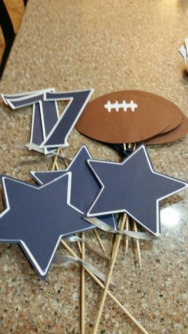Dallas Cowboys birthday party decor
