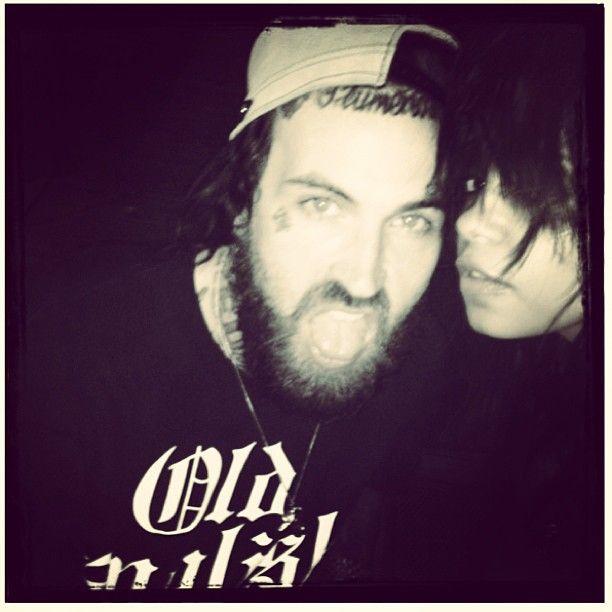 yelawolf and fefe dobson - photo #2