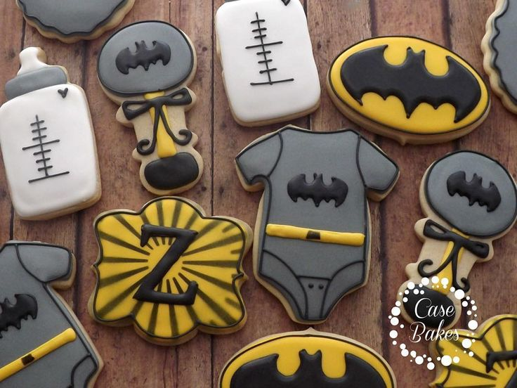 Batman baby shower set #casebakes #customcookies #decoratedcookies #batman #babyshower #clearlaketx #friendswood #pearland #leaguecity #webstertx by case_bakes