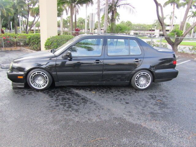 Volkswagen: Jetta 1997 euro look vw jetta 2.0 Check more at http://auctioncars.online/product/volkswagen-jetta-1997-euro-look-vw-jetta-2-0/