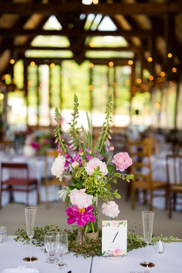 Photographe de mariage Sophie Asselin, Photographe Montréal | Wedding Reception. Pont Couvert La Conception (Québec). Rustic wedding.