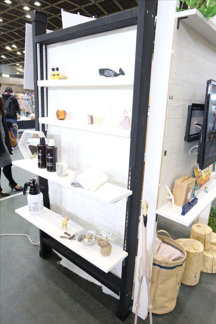 可動式のレールも取り付け可能 洗面室などにはステンレスのレールにホワイトの棚がおすすめ! #RE住むスタジオn金沢店 #ウォールセット販売 #賃貸可 #DIY