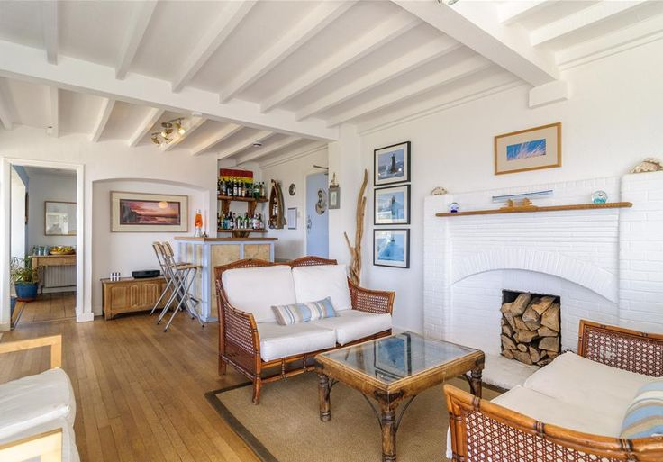 Blue Bay, Mawgan Porth. Sleeps up to 20 people making it perfect for a large group holiday!