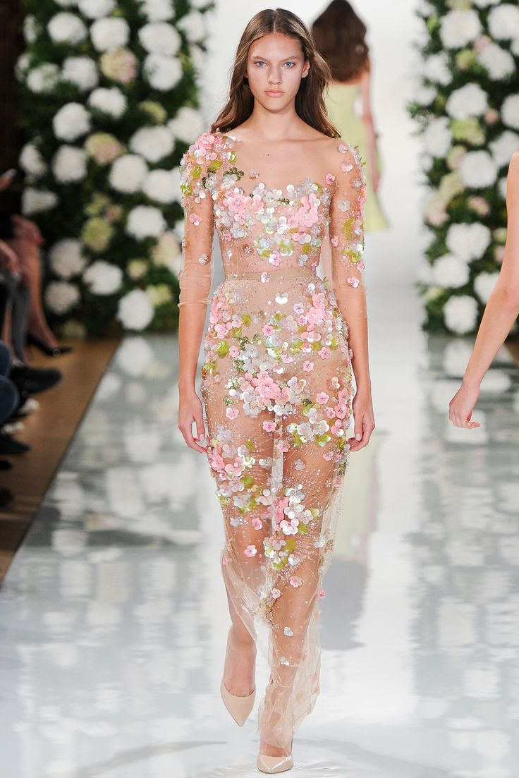 Valentin Yudashkin Spring 2015 Ready-to-Wear
