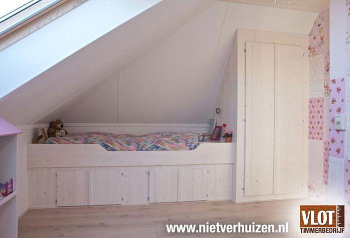 Bekijk dit project: Zolderkamer met bed en kast van Vlot Timmerbedrijf (http://www.nietverhuizen.nl//projecten/93/zolderkamer-met-bed-en-kast)